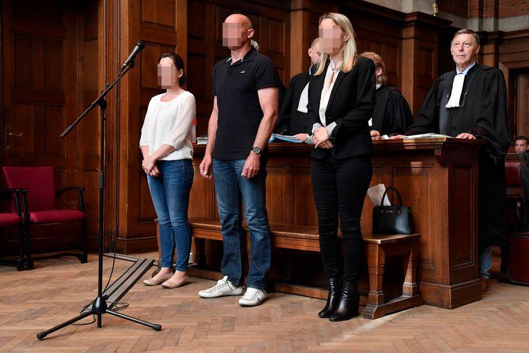 Melissa D.S., Gino V.R. en Katrien R. in de rechtbank.