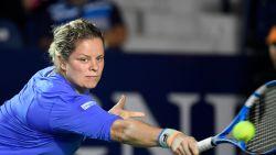 Kim Clijsters smasht alle Belgische sporters onderuit op social media, Delfine Persoon laatste van de klas