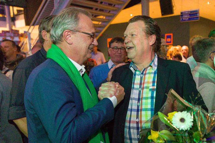 CDA-voorman Jan Goijaarts (links) en Team Meierij-lijsttrekker Eus Witlox.