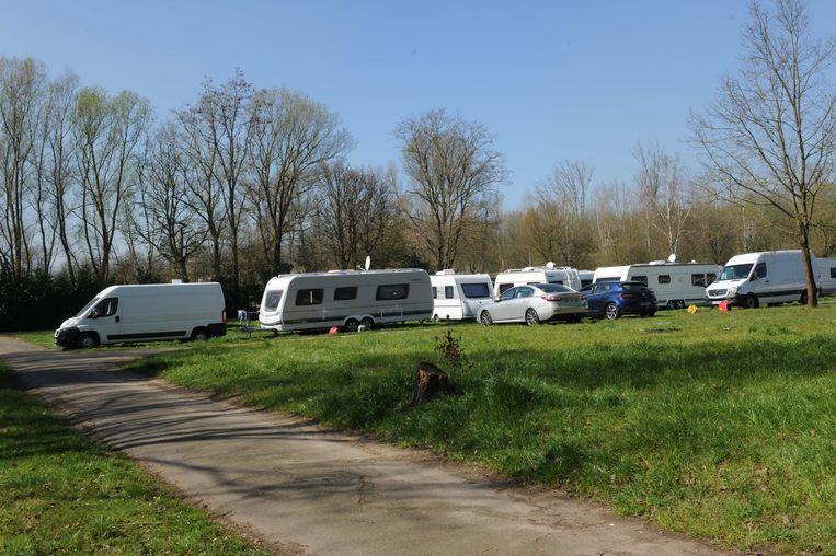 Franse woonwagenbewoners zijn neergestreken op de terreinen aan de Heirweg I.