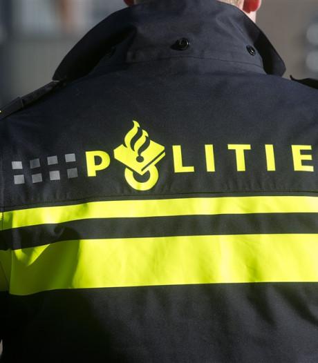 Pizzabezorger beroofd met mes door tweetal op scooter in Breda
