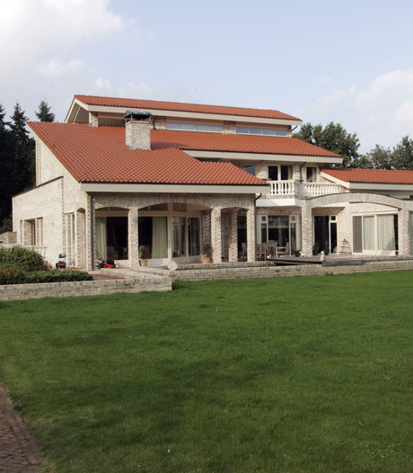 Een man en vrouw uit Helmond kweken hennep in riante villa; OM eist halfjaar celstraf en taakstraf
