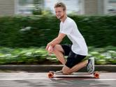 Op de longboard van Parijs naar Villa Pardoes: '460 km skaten voor het goede doel'