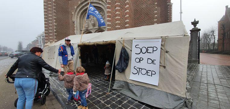 In Hoogstraten zorgde de jeugdbeweging voor soep, een jenever of een lekker wafel.