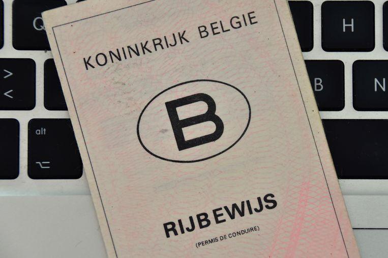 Het Litouws rijbewijs dat via Facebook besteld werd, bleek vals.