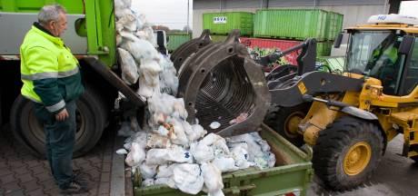 Vuilniszakken en afvalstoffenheffing flink duurder in Putten, apart inzamelen luiers stopt