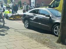Motorrijder gewond bij botsing met auto in Enschede