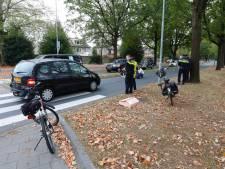 Echtpaar geschept door auto op zebrapad in Veldhoven, vrouw gewond naar ziekenhuis