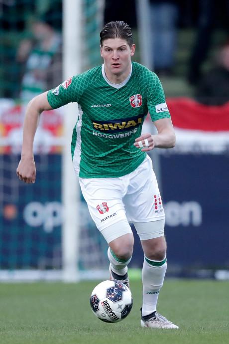 FC-Dordt-verdediger Peijnenburg is een 'bespreekgeval': vertrek of contractverlenging?