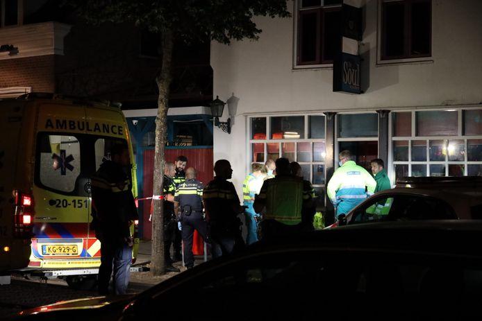 Man overleden voor deur van café in Waalwijk.