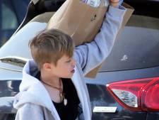 'Dochtertje (11) van Angelina en Brad krijgt hormonen om jongen te worden'
