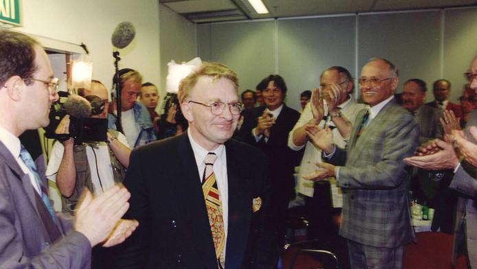 Hans Janmaat tijdens een verkiezingsbijeenkomst in 1994.