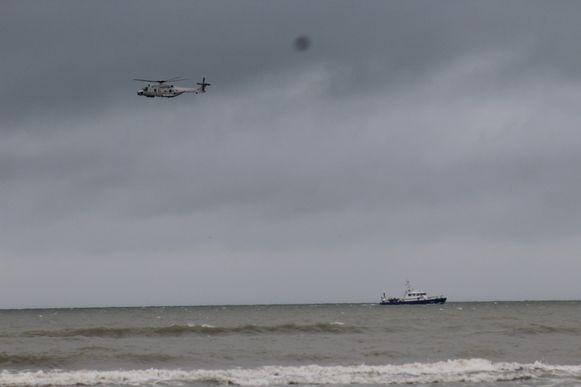 Archiefbeeld van de NH90 aan het werk boven zee.
