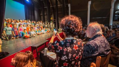 Urbanus jureert in 'Herhout's got talent'
