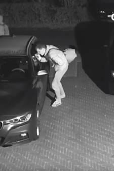 Politie geeft beelden vrij over serie auto-inbraken Harderwijk