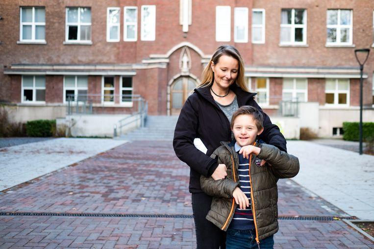 Maxim met zijn mama Babs.