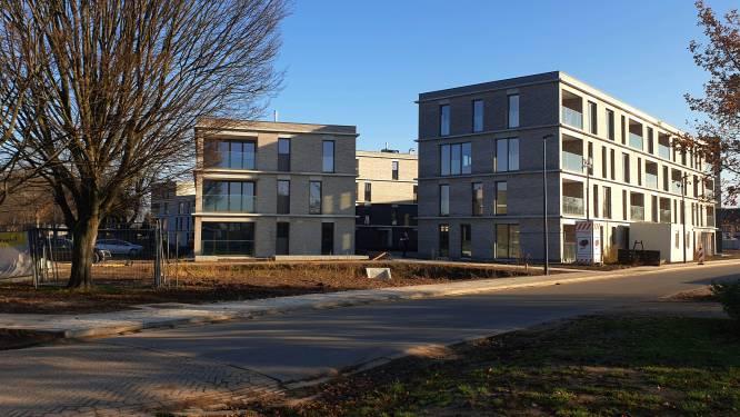 """Eerste sociale huurders krijgen sleutel nieuw wooncomplex Meerhof: """"Is verhoging huursom waard"""""""