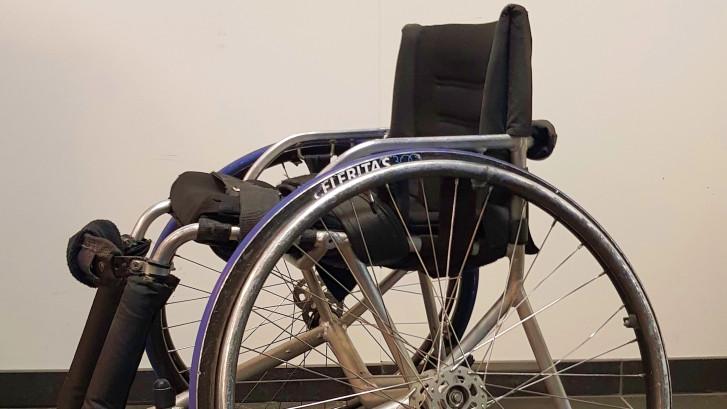 Het Materiaal: Schuine wielen en een bumper voor het botsen