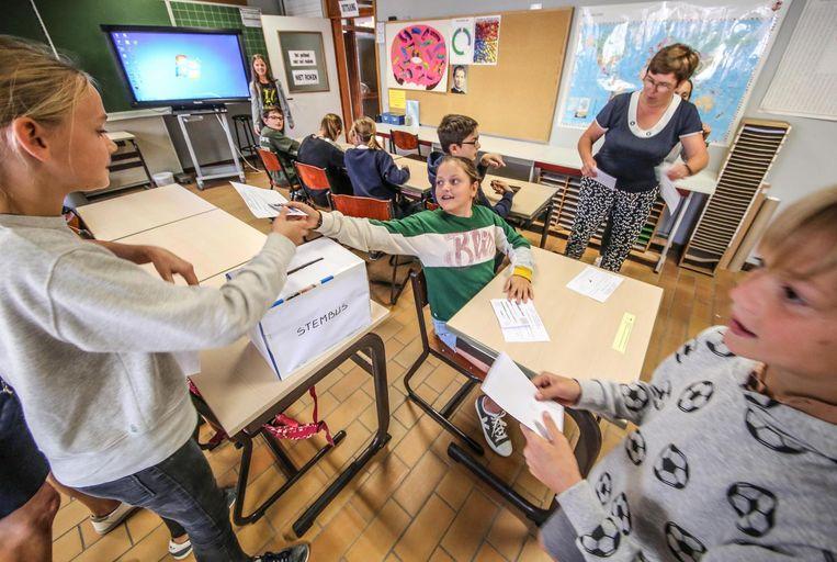 Gisteren gingen de 437 leerlingen van Kinderland stemmen.