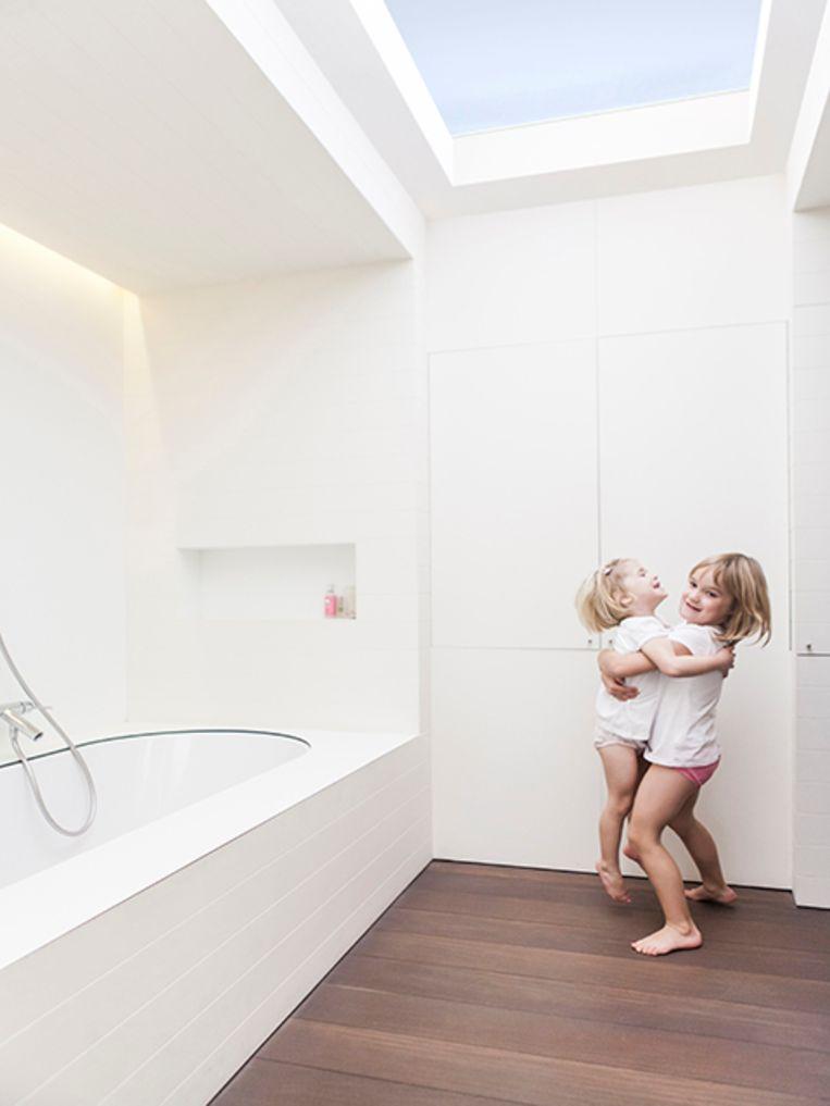Ook met lichtkoepels, -straten en dakvensters kan je extra zonlicht in huis halen.