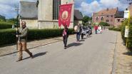 Hoxem sluit de rij processies af