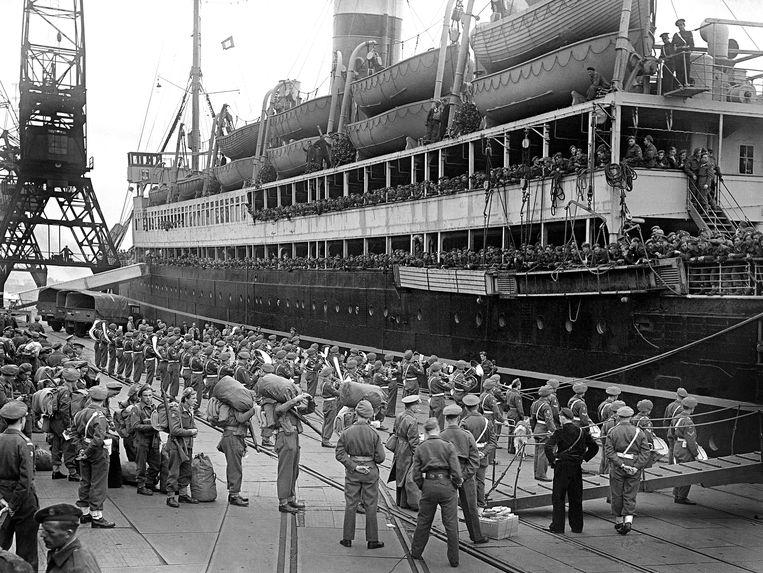 Vertrek van het Derde Bataljon Stoottroepen naar Nederlands-Indië, 1946 Beeld ANP
