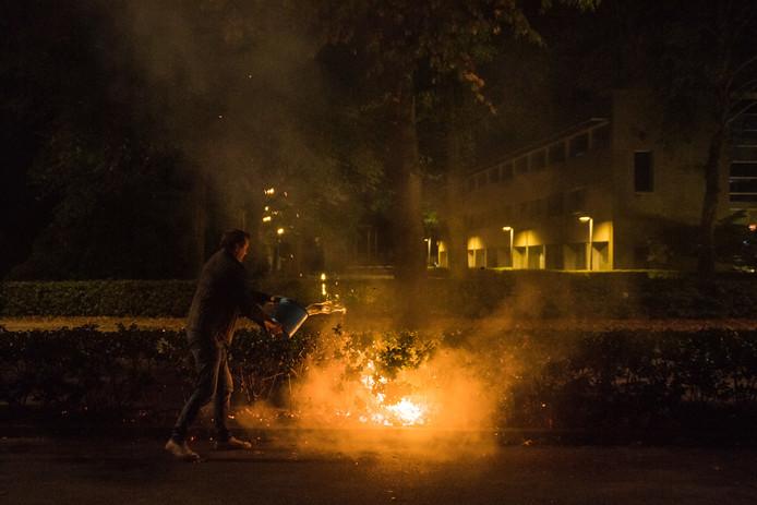 Brand in de binnenberm Ringbaan-West in Tilburg.