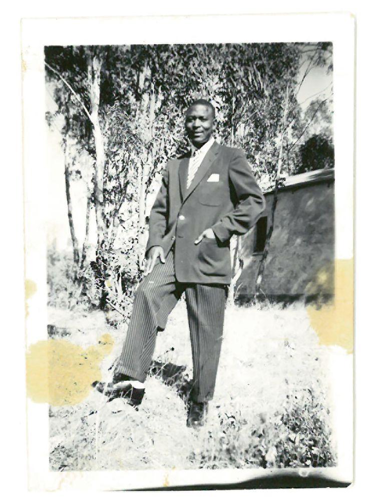De Zuid-Afrikaanse dominee Elia Tema. Beeld Foto's uit familiealbum van familie Tema