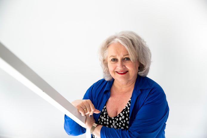 GGD Brabant Zuidoost-directeur Ellis Jeurissen is door haar werk in deze coronacrisis genomineerd voor de prijs Topvrouw van het Jaar 2020. Ze ziet bezorgd hoe veel mensen verslappen in het naleven van de coronaregels en stoort zich onder andere aan de gang van zaken in supermarkten.