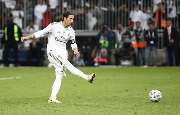 Sergio Ramos zet de beslissende penalty om.