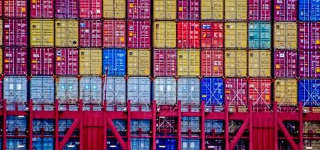 Minister Grapperhaus in Moerdijk: 'Meer containers scannen op criminele activiteit'