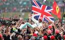 Lewis Hamilton was vorig jaar de gevierde man op Silverstone.