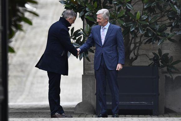 CD&V-voorzitter Joachim Coens wordt ontvangen door de koning.