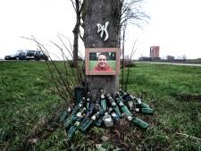 Lars (20) werd geschept door een dronken automobilist, nu is zijn bermmonument klaar: 'We missen hem enorm'