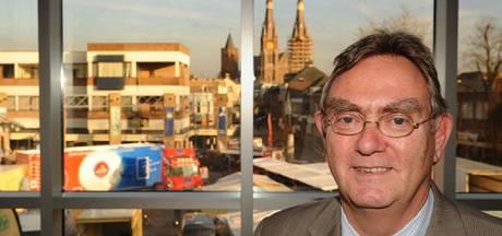 Bronzen Leeuw voor oud-burgemeester Leo Schoots
