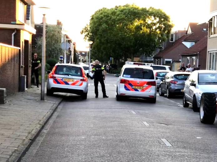 Eerder op de avond verrichte de politie ook al aanhoudingen aan de Sumatrastraat in Enschede.