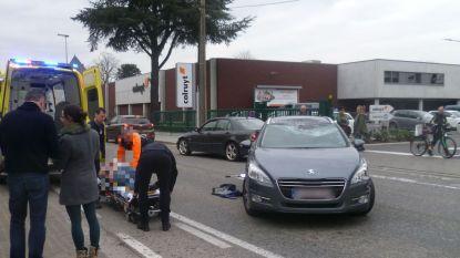 Ongeval ter hoogte van Colruyt: motorrijder aangereden die file inhaalt