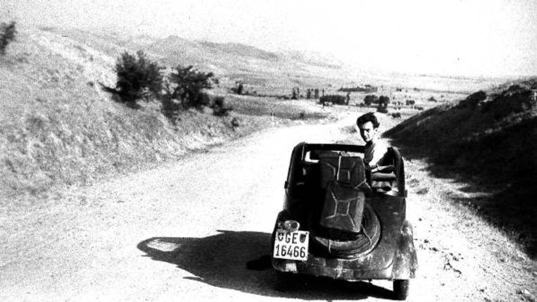 De Fiat Topolino was soms zo heet dat-ie niet met blote handen was aan te pakken. (FOTO UIT BESPROKEN BOEK) Beeld