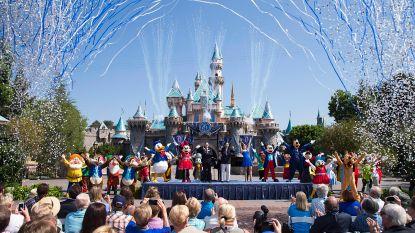 Dronken YouTuber vliegt in de cel nadat hij bezoekers in Disneyland waarschuwt voor 'dolle schutter'