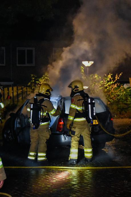 Auto brandt volledig uit in Renkum