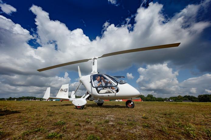 De PAL-V moet de grensverleggende vliegende auto worden. Trainen doet men in bijvoorbeeld deze Gyrocopter. Foto: Marcel Otterspeer / Pix4Profs
