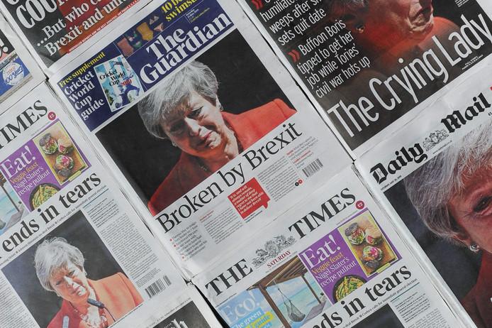 Le mandat de Mme May, aux airs de chemin de croix tant elle a rencontré d'obstacles, de critiques voire de complots au sein de son propre parti, restera avec 1.059 jours, l'un des plus courts de l'histoire des Premiers ministres britanniques depuis la Deuxième Guerre mondiale.