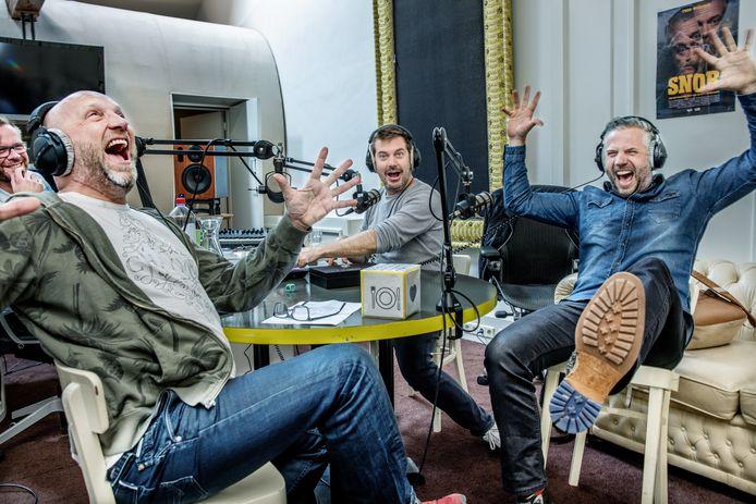 Ruben van der Meer, Ruben Nicolai en Tijl Beckand nemen hun eerste podcast op