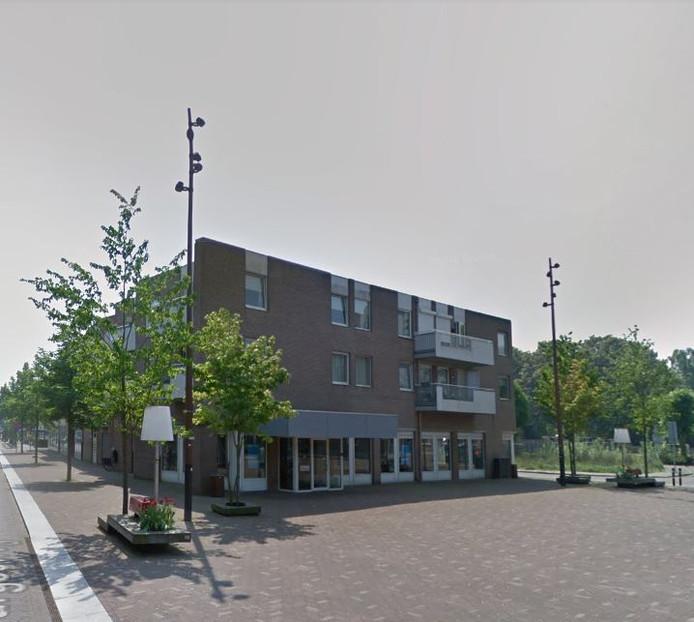 Het voormalige pand van ABN Amro aan het Kloosterplein in Goirle, waar een bakker zich in wil vestigen.