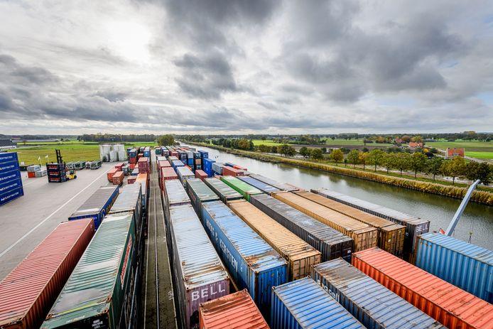 De containerterminal op het XL Businesspark in Almelo is een belangrijke plus voor de hogere positie op de ranglijst van logistieke hotspots.