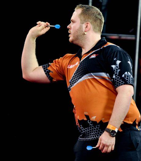 Van Duijvenbode uitgeschakeld op EK Darts na matige partij tegen Clayton