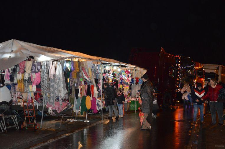 Er was ook een kerstmarkt met tal van spulletjes.