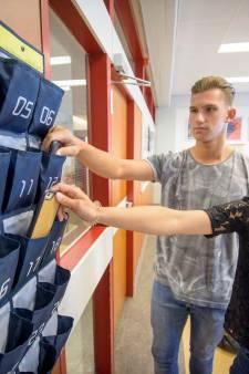 Mobieltjes gaan bijna overal in de speciale telefoontas in Zuidoost-Brabant
