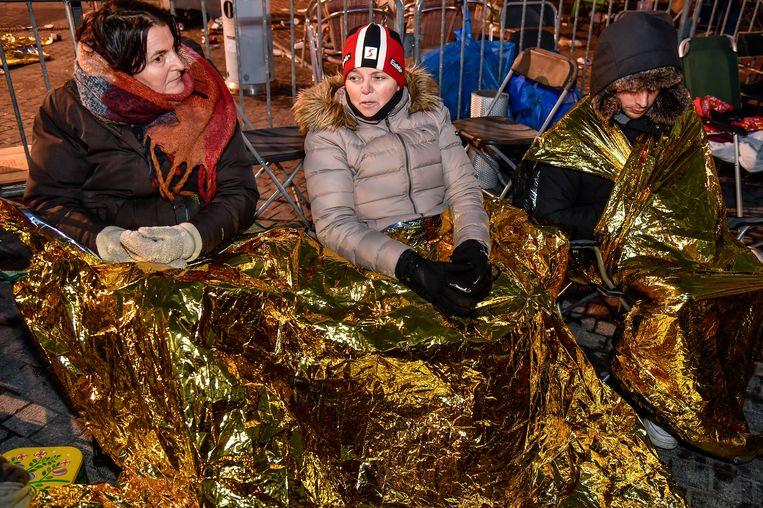 Elke en Kristel waren op de kou voorzien, maar het was toch een zware nacht.