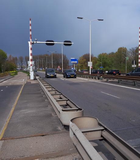 Misschien gratis met de bus tijdens afsluiting van de Wantijbrug